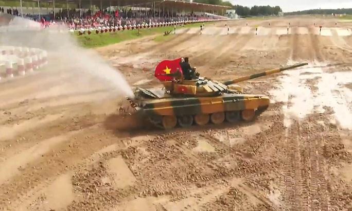 Tuyển xe tăng Việt Nam vào bán kết Army Games 2020 - Ảnh 7.