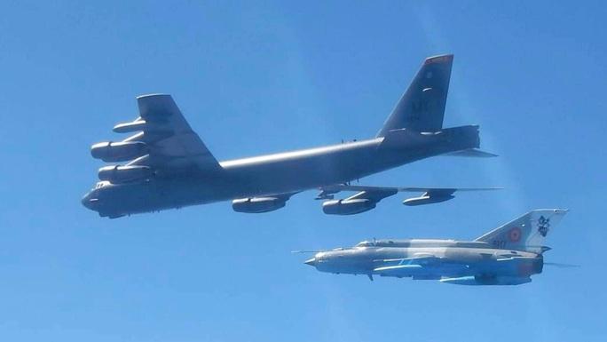 Màn khoe sức mạnh dễ nể của 86 máy bay quân sự NATO - Ảnh 3.