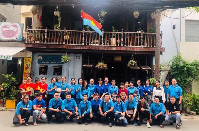 Gần 4 triệu lượt khách quốc tế tới Việt Nam - Ảnh 1.
