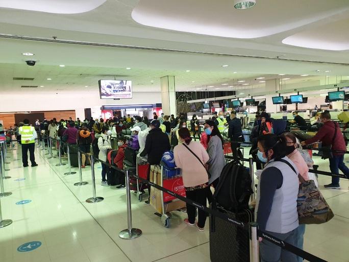 Sân bay Cần Thơ đón 230 người từ Đài Loan - Ảnh 3.