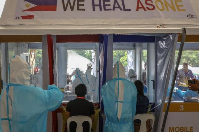 Covid-19: Tổng thống Duterte nói Philippines hết tiền hỗ trợ  - Ảnh 1.