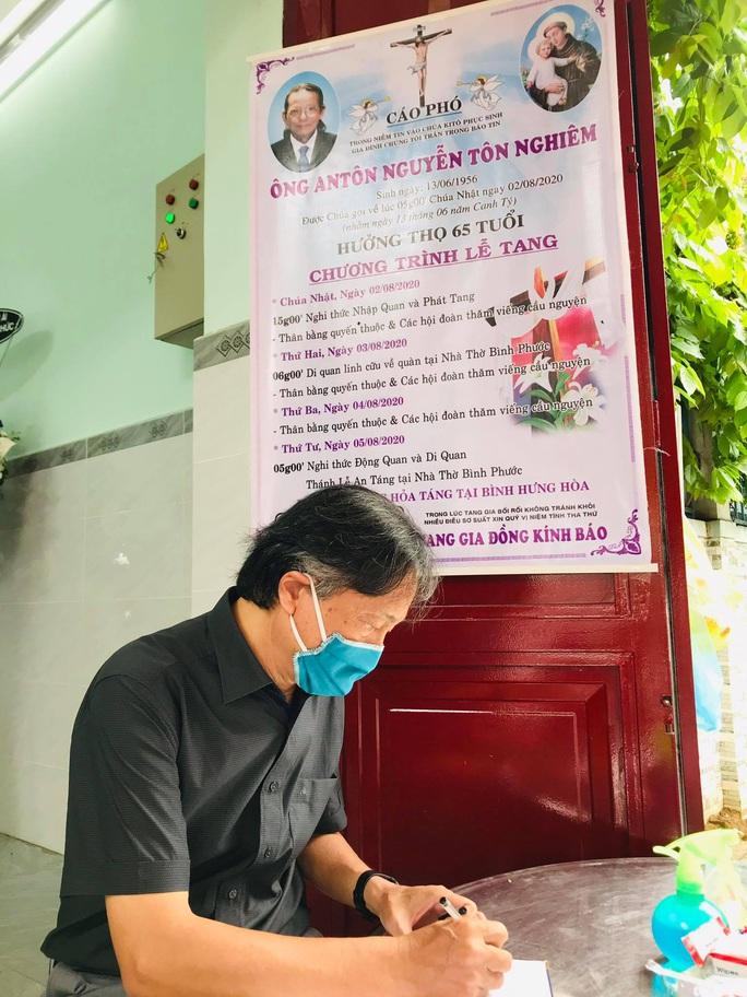 Mai Vàng nhân ái viếng nhạc sĩ Nguyễn Tôn Nghiêm - Ảnh 4.