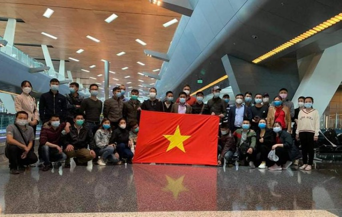 Hành trình đặc biệt của đoàn người Việt từ châu Phi về TP HCM - Ảnh 15.
