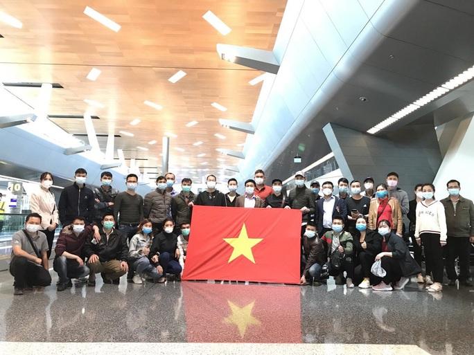 Hành trình đặc biệt của đoàn người Việt từ châu Phi về TP HCM - Ảnh 16.