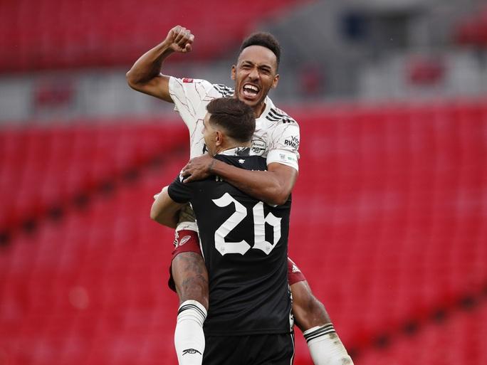 Hạ Liverpool trên chấm luân lưu, Arsenal đăng quang Siêu cúp Anh - Ảnh 10.