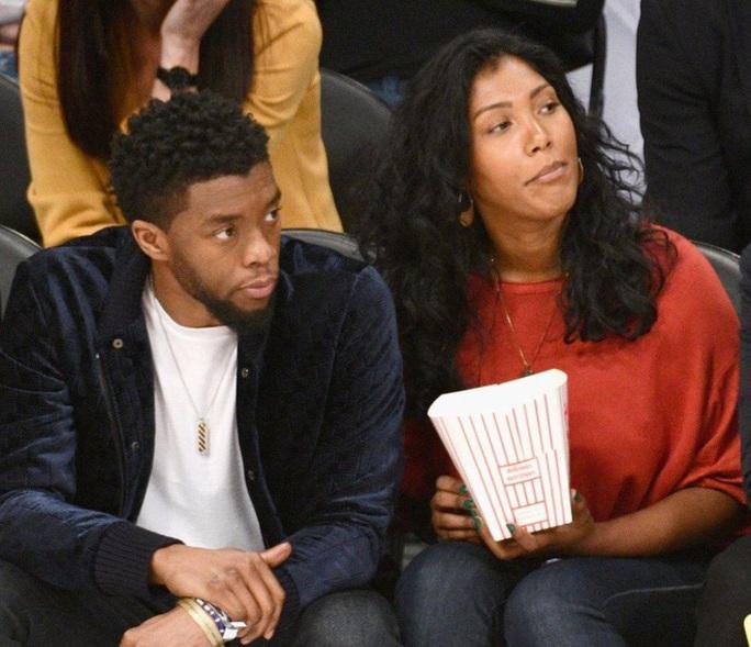 """Chuyện tình vượt bệnh tật của vợ chồng """"báo đen"""" Chadwick Boseman - Ảnh 1."""
