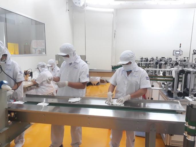 """Doanh nghiệp """"tay ngang"""" ở Việt Nam sản xuất khẩu trang cho Bộ Quốc phòng Mỹ - Ảnh 3."""