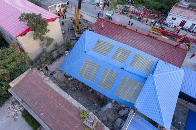 Vụ sập nhà hàng ở Trung Quốc: 29 người thiệt mạng, thêm nhiều người bị thương - Ảnh 1.