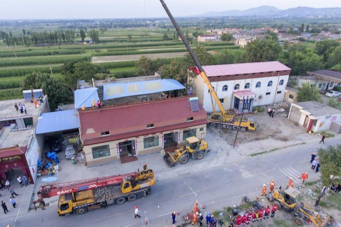 Vụ sập nhà hàng ở Trung Quốc: 29 người thiệt mạng, thêm nhiều người bị thương - Ảnh 2.