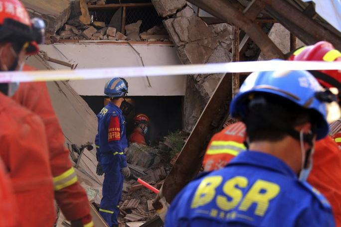 Vụ sập nhà hàng ở Trung Quốc: 29 người thiệt mạng, thêm nhiều người bị thương - Ảnh 3.