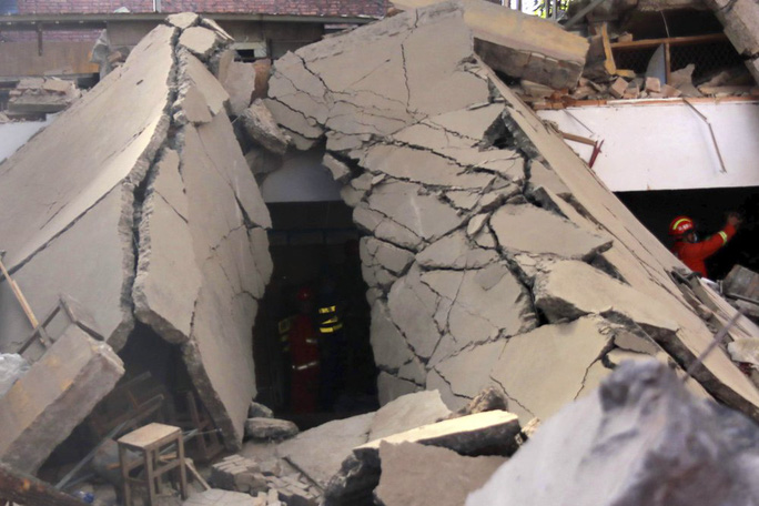 Vụ sập nhà hàng ở Trung Quốc: 29 người thiệt mạng, thêm nhiều người bị thương - Ảnh 5.
