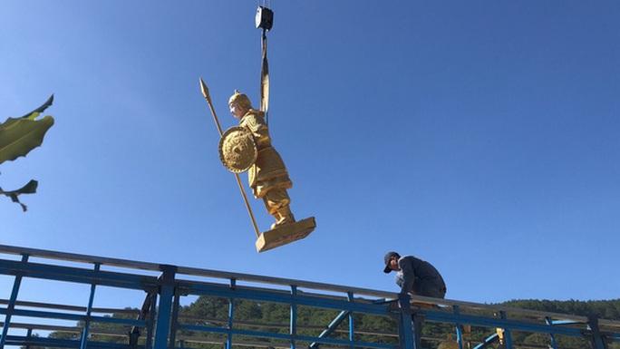 Ông chủ Đại Nam lên tiếng về nguồn gốc các tượng lính giống lính Tần Thuỷ Hoàng - Ảnh 2.