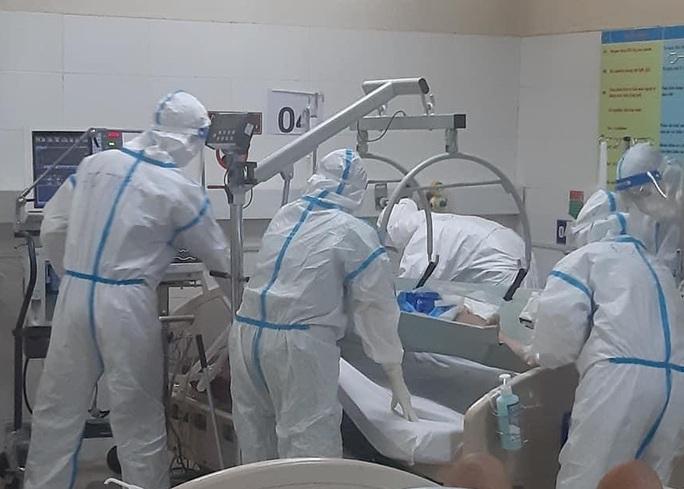 Bệnh nhân thứ 34 mắc Covid-19 tử vong sau khi xuất viện về nhà - Ảnh 1.