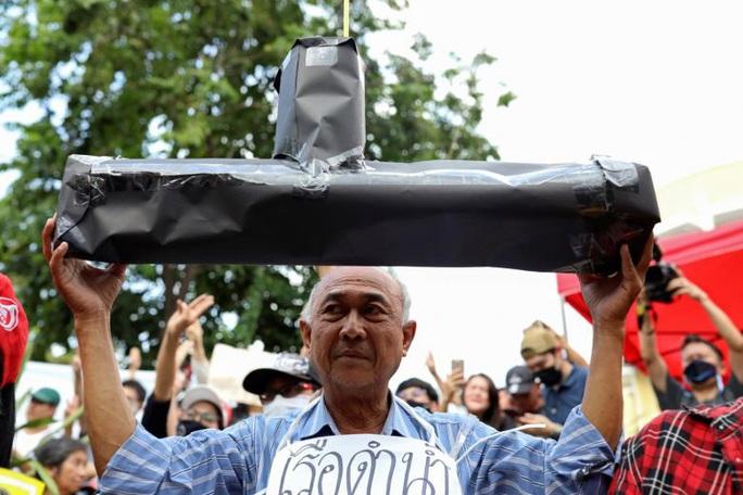 Bị dân phản đối, Thái Lan hoãn mua tàu ngầm Trung Quốc  - Ảnh 1.