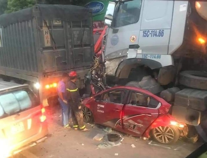 Tai nạn kinh hoàng, 3 người tử vong, 1 nhập viện cấp cứu - Ảnh 3.
