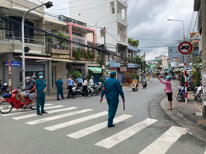 Chồng bệnh nhân 595 ở Đồng Nai dương tính với SARS-CoV-2 - Ảnh 1.
