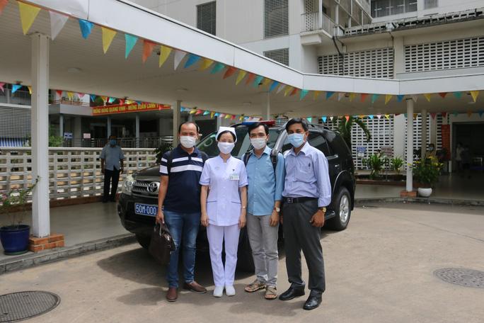 Bệnh viện Chợ Rẫy cử thêm đội phản ứng nhanh ra miền Trung - Ảnh 2.