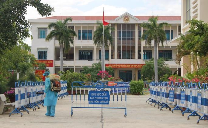 Tỉnh Khánh Hòa lên tiếng về sự đòi hỏi, phân bì khi cách ly - Ảnh 2.