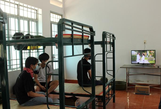 Tỉnh Khánh Hòa lên tiếng về sự đòi hỏi, phân bì khi cách ly - Ảnh 1.