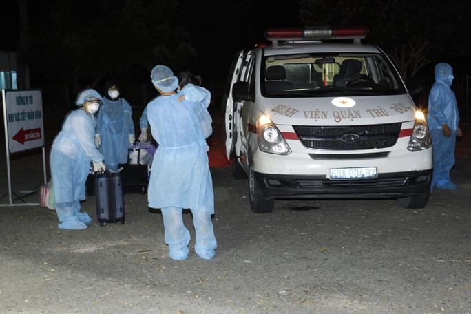 TP HCM: 276 người về từ Đà Nẵng có triệu chứng về hô hấp - Ảnh 1.