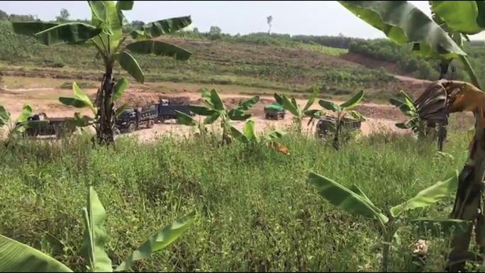Vụ khai thác đất lậu, chính quyền ở đâu: Xử phạt 105 triệu đồng - Ảnh 2.