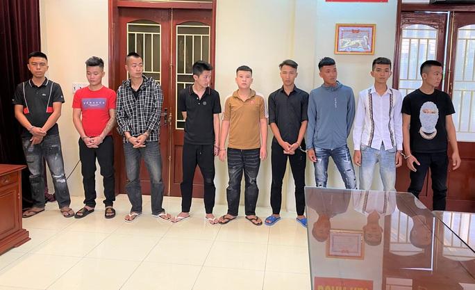 Mâu thuẫn ghẹo gái, 30 thanh niên 2 huyện ở Thanh Hóa truy sát nhau gây náo loạn quốc lộ - Ảnh 2.