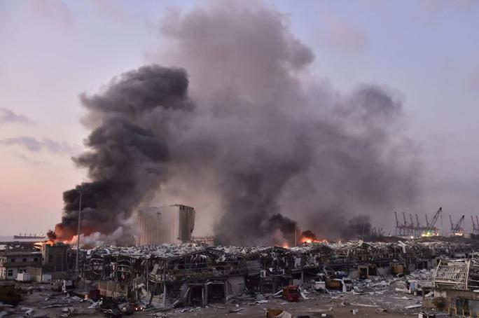 Nổ cực lớn ở Lebanon: Do hàn xì lỗ thủng của nhà kho? - Ảnh 7.