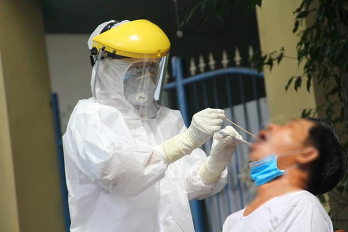 Một nhân viên xí nghiệp xe buýt ở Hà Nội nghi mắc Covid-19 tiếp xúc với rất nhiều người - Ảnh 1.