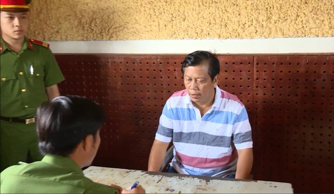 Đại gia Trịnh Sướng đã bán ra thị trường gần 140 triệu lít xăng giả, trị giá hơn 2.500 tỉ đồng - Ảnh 1.