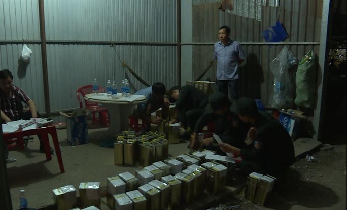 Đại gia Trịnh Sướng đã bán ra thị trường gần 140 triệu lít xăng giả, trị giá hơn 2.500 tỉ đồng - Ảnh 2.