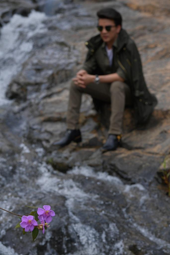 Đàm Vĩnh Hưng ra mắt 2 ca khúc chưa từng được cấp phép - Ảnh 2.