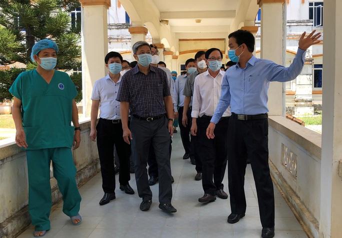 Thứ trưởng Bộ Y tế: Quảng Ngãi phải thần tốc truy vết F1 - Ảnh 2.