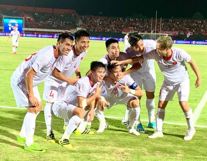 Tuyển Việt Nam chuẩn bị cho World Cup - Ảnh 1.