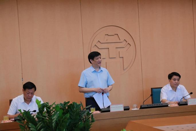 Gần 100.000 người Hà Nội về từ Đà Nẵng, Bộ Y tế hỗ trợ 100.000 mẫu xét nghiệm SARS-CoV-2 - Ảnh 1.