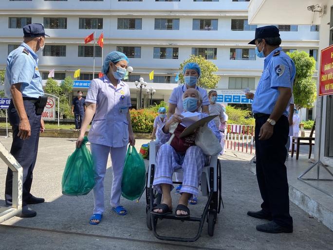 Xúc động tâm thư của Giám đốc Bệnh viện C Đà Nẵng khi được dỡ lệnh phong tỏa - Ảnh 4.