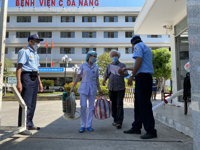 Xúc động tâm thư của Giám đốc Bệnh viện C Đà Nẵng khi được dỡ lệnh phong tỏa - Ảnh 8.