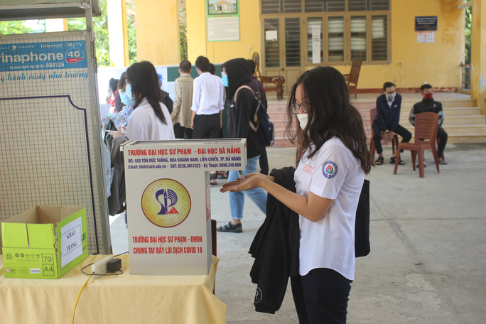 Giữa tâm dịch Covid-19, hơn 7.500 thí sinh Quảng Nam làm thủ tục dự thi - Ảnh 6.