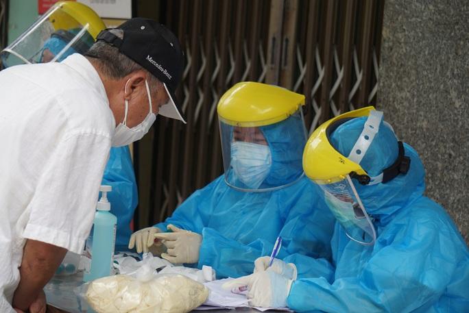 Lịch trình 15 ca Covid-19 ở Đà Nẵng: Hầu hết liên quan đến Bệnh viện Đà Nẵng - Ảnh 1.