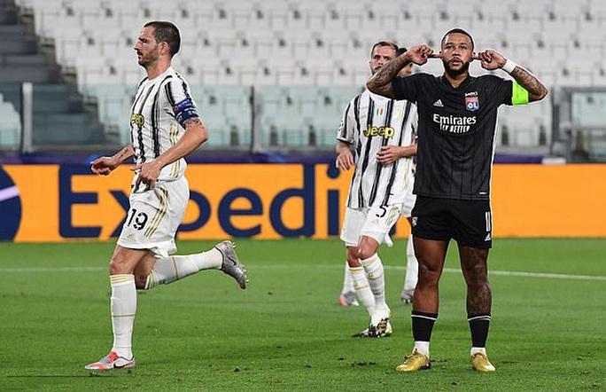 Ronaldo lập cú đúp, Juventus vẫn bị hất văng khỏi Champions League - Ảnh 2.