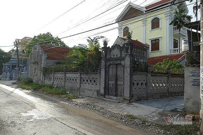 Có gì trong ngôi nhà bằng đá ở Ninh Vân mà nhiều người mê đắm? - Ảnh 2.