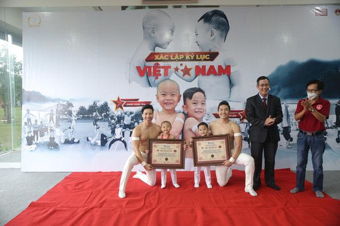 Hai đứa bé 3 tuổi lập kỷ lục Guinness Việt Nam - Ảnh 6.