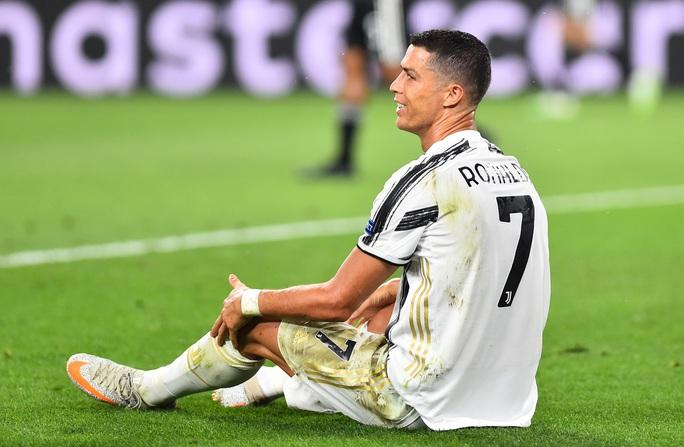 """Ronaldo thừa nhận thất bại, xin """"hứa"""" trở lại mùa sau - Ảnh 1."""