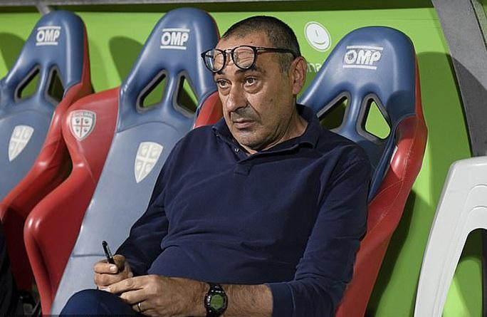 Thua thảm cúp châu Âu, Juventus bẻ ghế HLV Maurizio Sarri - Ảnh 1.