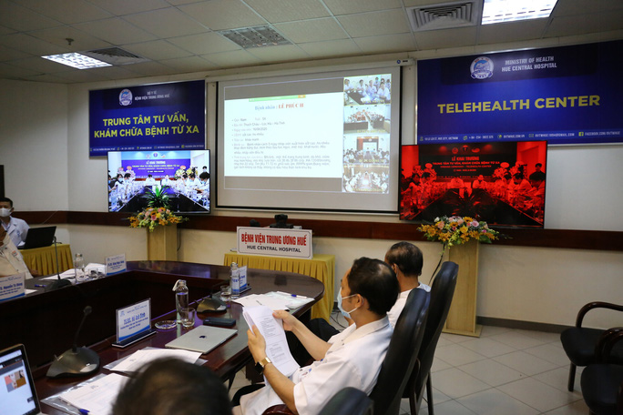 Bệnh viện Trung ương Huế vận hành trung tâm tư vấn, khám chữa bệnh từ xa - Ảnh 2.