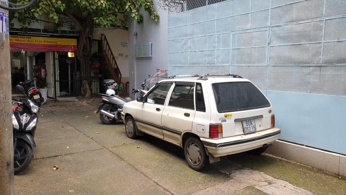Clip nam sinh bị côn đồ đánh dã man xảy ra ở phường Tân Định - TP HCM - Ảnh 3.