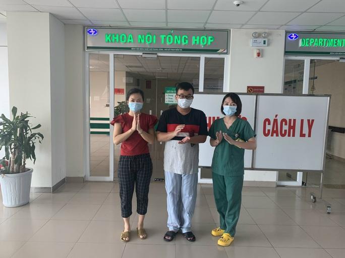 Người giao bánh pizza ở Hà Nội từng tổn thương phổi 70% đã khỏi Covid-19 - Ảnh 1.