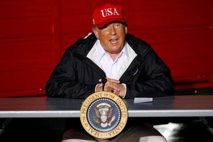 Thăm dò trước bầu cử Mỹ: Tổng thống Trump nhận tin vui buồn lẫn lộn - Ảnh 1.