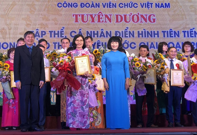 Công đoàn viên chức Việt Nam: Tôn vinh 123 tập thể, cá nhân điển hình tiên tiến - Ảnh 1.