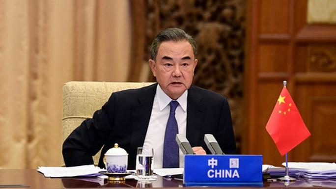 Trung Quốc cáo buộc Mỹ thúc đẩy quân sự hóa ở biển Đông - Ảnh 1.