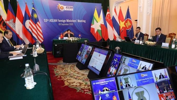 Trung Quốc cáo buộc Mỹ thúc đẩy quân sự hóa ở biển Đông - Ảnh 2.